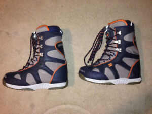 Size 11 DC BOARDING BOOTS-Price dropped!!!