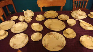 Vaisselle Antique/12 pers. Crown Ducal Florentine England 86 mor