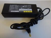 GENUINE ORIGINAL FUJITSU CHARGER POWER SUPPLY ADAPTER 19v 5.27amp