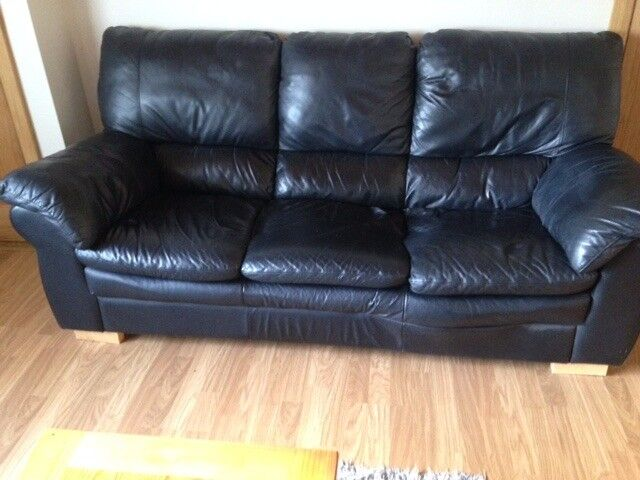 black leather sofain Craigavon, County ArmaghGumtree - black leather sofa 3 1 1 in very good condition no marks are rips available at the end off august £250 ONO