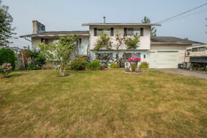 Open House Sat 1-3 Large Home on Corner Lot, Chilliwack $599,900