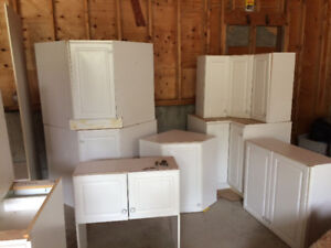 Complete u shaped kitchen cabinets