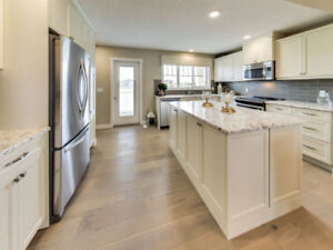 GORGEOUS DOUBLE SINK DUAL MASTER - 1493 SQFT TOWNHOME!!