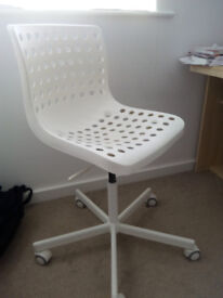 Desk Chair Bought on May 2017. As good as new. 50% less.
