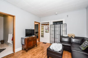 UPTOWN WATERLOO 2 BEDROOM RENOVATED APARTMENT FOR RENT