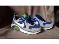 Nike Air Max - Junior - size 5