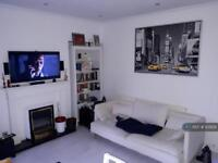 2 bedroom house in Glenfarg Road, London, SE6 (2 bed)