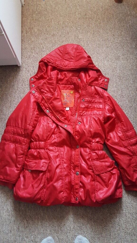winter girl clothes 11 12in Bournemouth, DorsetGumtree - girl clothes 11 12 very good condition two lovley jackets,three jumpers ,very warm Olaf hat plus all basket with socks,all without holes,stains from smoke and pets home free more info please send me a tekst message o 07783308186