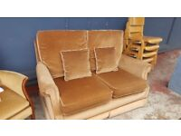 Quaint Vintage 2 Seat Parker Knoll Sofa In Great Condition
