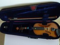 Stentor 1/4 Size violin with carrying case. Great Condition