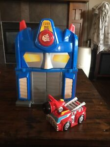 Transformers Optimus Prime Fire House