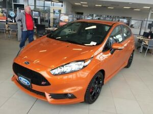 "2017 Ford Fiesta ST, Hatch, 6speed manual, Moonroof, 17"" Black w"