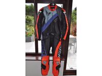 "DAINESE LEATHER MOTORCYCLE SUIT SIZE 54 UK 42"" CHEST 36"" WAIST"