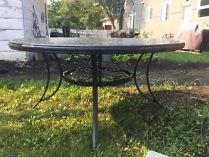 Tropitone Patio chairs and table