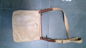Authentic Fossil Medium size crossbody bag or purse leather