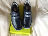Ladies Size 8 standard width HOTTER Leather shoes UNWORN