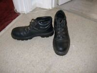 SIZE 9 STEEL TOE CAP BOOTS