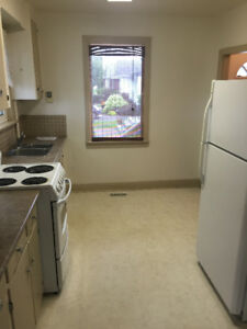 Student Room $425/mon incl. utilities & wifi