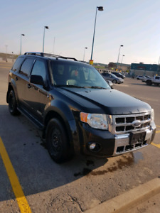 2008 AWD Ford Escape Limited with add on's!!