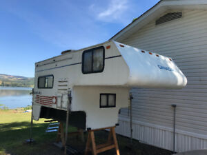 95' 8ft Canadian flyer Camper