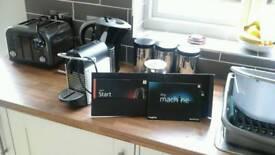 MAGIMIX NESPRESSO PIXIE COFFEE MAKER