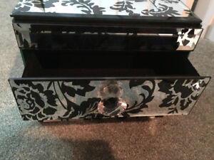 Mirrored floral jewellery box