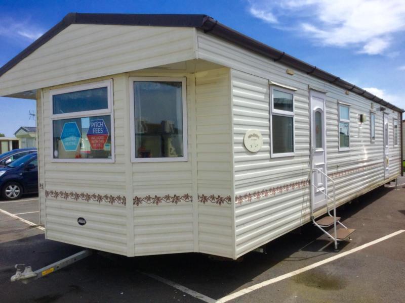 Static Caravan Nr Clacton-on-Sea Essex 3 Bedrooms 6 Berth ABI Montrose 2002