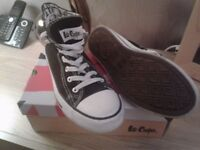 Lee Cooper Shoes (size 6)