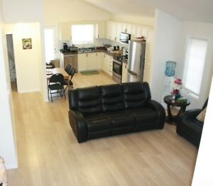 Gorgeous 3 Bedroom Unit In Great Location!