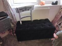 Black velvet seat