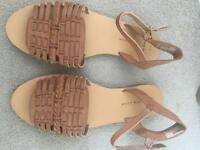 NEW LOOK Sandals- BRAND NEW- size 5