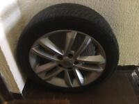 Alloy wheel with tyre from Vauxhall Vectra