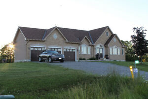 Executive Bungalow with Lake View - Lindsay & Janetville