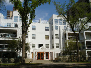 Beautiful 2 BDRM condo in Oliver area