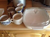 Selection of Pyrex and assorted dishes good condition from smoke free home