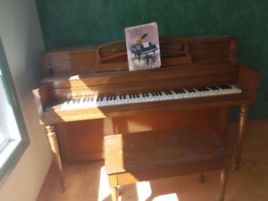 Piano to give away in Mayerthorope