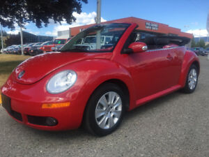 2012 Volkswagen Beetle Highline Convertible ONLY 39k kms!