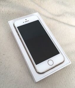 iPhone 5s / Gold / Mint Condition