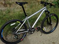 SPECIALIZED Rockhopper M4.,ONLY 26 lb. Perfect Working Order. 24sp,.Hydraulic Brakes.V comfortable.