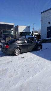 BLACK & BLACK 2007 BMW 328XI WITH LOW KM &SAFETIED