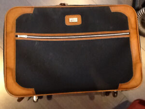 LUGGAGE - 2 PIECES - ALMOST NEW
