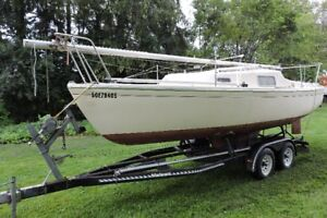 22 ft sailboat, with sails, trailer, various parts