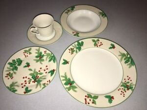 FOR SALE:4 place setting Christmas Dishes