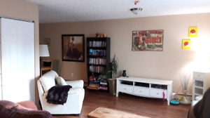 Room for rent in 3 bdrm apt starting for Aug!!