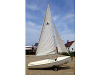 Leader Mk II 14' sailing dinghy complete with launching trailer