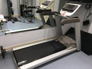 Precor 9.35 Treadmill: Ultra low kms and hrs - Edmonton