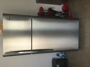 Selling a fridge and stove stainless steel