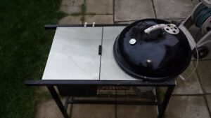 Weber 22.5 inch Charcoal BBQ With stainless table
