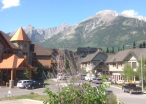 CANMORE FURNISHED 1-BEDROOM CORNER VIEW CONDO $1,300 + UTILITIES