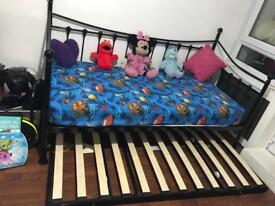 Single sofa bed with guest bed